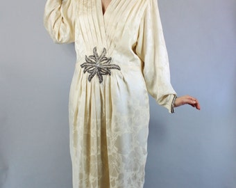 Vintage 80s does 20s Cream Silk Flapper Style Marshall Field's Wedding Gown Dress// Art Deco Style