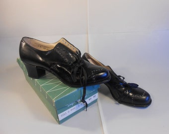 W.A.Cs vs Rosie the Riveter  - Vintage WW2 1940s New Old Stock Black Leather Oxford Shoes - 9/9.5