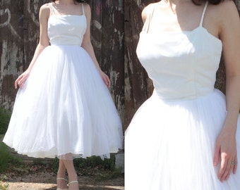 Vintage 1950's Dress // 50s White Tulle Party Prom Gown // Ballerina Skirt // Hollywood Wedding Dress // DIVINE