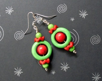 Red and Green Christmas Earrings (2379)