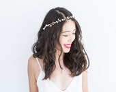 ivory cream berry hair wreath / simple and elegant wedding headpiece, bridal berry crown, woodland spring summer garden wedding, bridesmaid
