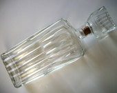 Vtg. Glass liquor decanter with stopper great serving bottle vintage barware oil etc storage container vessel