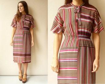 1970's Vintage Flutter Sleeve Retro Stripe Midi Tea Dress Size Small