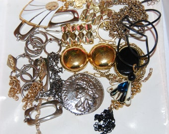 Jewelry Lot Vintage Findings Chains Jewelry Making Altered Art Mixed Media Destash