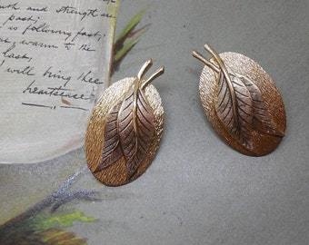 WHITING & DAVIS Oval Leaf Gold Clip On Earrings