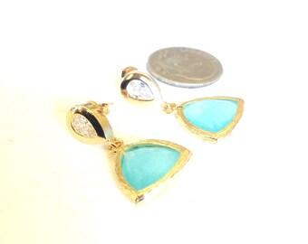 Mint Earrings, Mint Green Earrings,Mint bridesmaid earrings, Mint Dangle Earrings, Geometric earrings, mint triangle earrings, mint and gold
