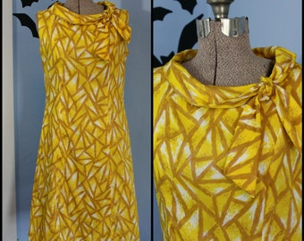 Womens Vintage 1950s 1960s Retro A Line Shift Dress Yellow & White Geometric Mid Century Mad Men L' Aiglon Brand Modern Size Medium Large