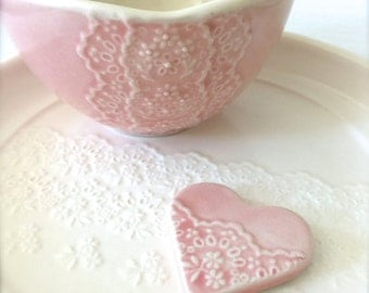 Shiny Pink Porcelain Lace Bowl with Heart Lace Cutlery Rest Set, Matcha Tea Bowl-Hideminy Lace Series