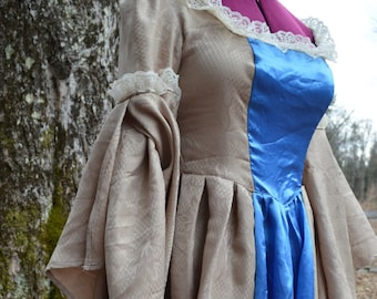 Medieval Reenactment Renaissance Blue and Gold Womens Gown Size 14/16