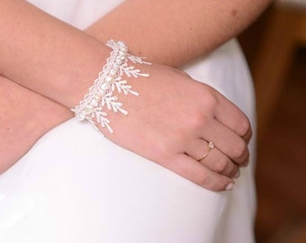 Delicate bridal bracelet ivory lace bridal cuff bracelet bridal lace jewelry for wedding lace bracelet bride lace cuff boho bridal jewelry