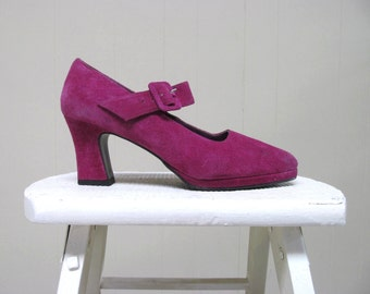 Vintage 1990s Shoes / 90s Magenta Suede Mary Janes / Size 8B US