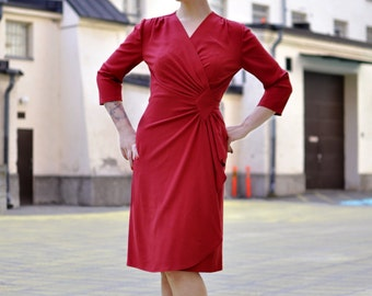 40s style wrap dress in red rayon crepe, made to order, sizes XS to XXL / vintage style dress / film noir dress / wrap dress