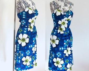 Hibiscus Paradise 1960s Hawaiian Tiki Bombshell Wiggle Sarong Dress Malihini Hawaii Blue White XS S
