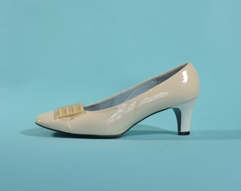 Vintage 1960s White Wedding Shoes - Patent Leather High Heel - Bridal Fashions Size 6.5