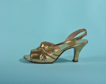 Vintage 1970s Gold Wedding Shoes - Amano High Heel Sandals - Wedding Fashions Size 7.5 M