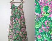 Vintage 1960s Mod Op Art Bow Floral Paisley Print Bonwit Teller MAXI Structured Hippie Dress SM Green Pink