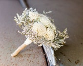 Sola bouquet with ivory flowers and dried flowers bouquet Eco Friendly Green Wedding