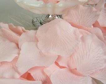 200 Rose Petals / Light Baby Pink / Bulk /  Pink Wedding  / Baby Shower Decoration / Flower Petals / tossing petals