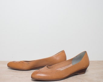 8 N | Women's Bandolino Honey Brown Woven Leather Ballet Flats