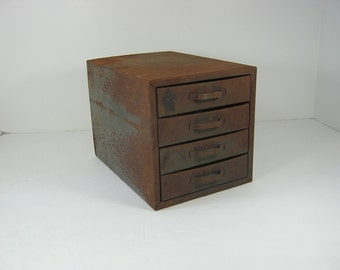 Vintage RUSTIC Mini FILE DRAWER Metal 4 Drawer Storage PATiNA Office Desk Craft Organizer