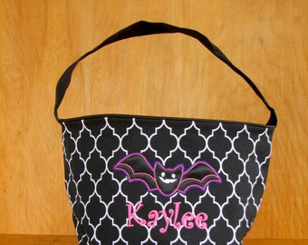 Halloween bat trick or treat bag, personalized Halloween bucket for girls
