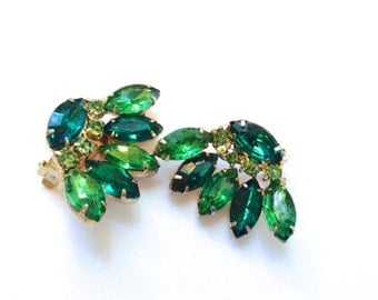 Emerald Green Rhinestone Earrings Vintage Holiday Party Fashion Jewelry