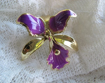 Vintage purple and gold tone enamel orchid brooch / 1960's vintage enamel flower brooch / mod flower brooch / purple enamel flower brooch