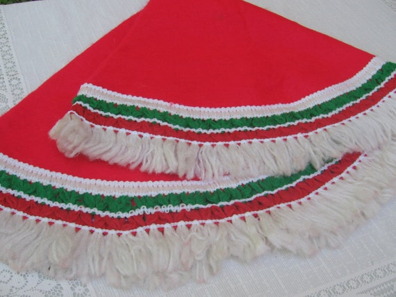 Vintage christmas tree skirt red felt retro
