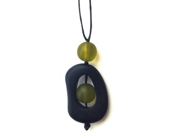 Nursing Breastfeeding Necklace - Monkey Mama 'Twiddle Buster' Pendant - Black and Olive Green