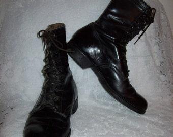 Vintage Men's Vietnam Era Black Leather Military Boots Size 10 Only 20 USD