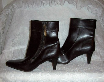 Vintage Ladies Brown Side Zip Ankle Boots by Merona Size 6 1/2 NOS Only 10 USD