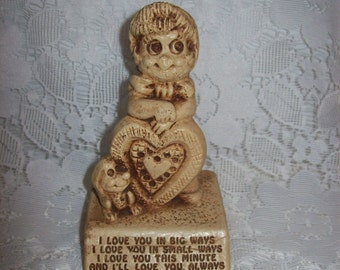 SAlE 20% Off Vintage 1970s Collectible Figurine 'I Love You In Big Ways I Love You In Small Ways' by Paula Now 4 USD