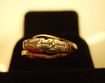 Old European Engagement Ring in Platnium & 18K Gold with Diamonds