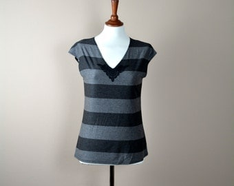 Jersey top, Striped top, Yoga tshirt, Short sleeve tshirt, Women clothing, Tunic top, Cotton top, Jersey tshirt, Black top,Maternity top