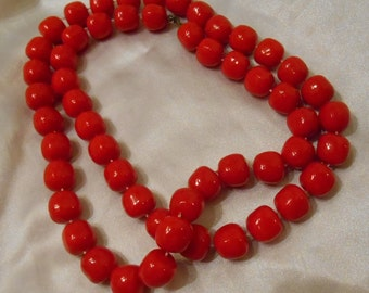Candy Apple Red Plastic Bead Necklace