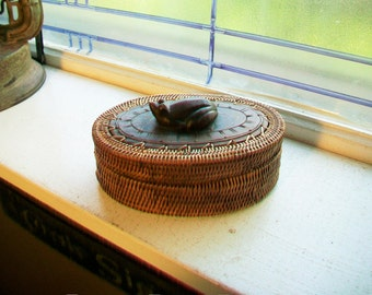 Vintage Woven Grass and Wood Basket Frog Finial