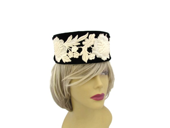 60s Mod Black Pillbox Hat