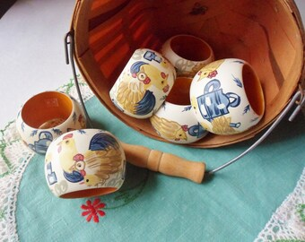 Six Hand Painted Chicken Napkin Rings Made in India, 60s Melmac Napkin Rings