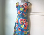 Vintage '60s Turquoise Dress in Orange/Pink Hawaiian Floral Print; Women's Medium Knee-Length/Ruffle Hem Dress; U.S. Shipping Included