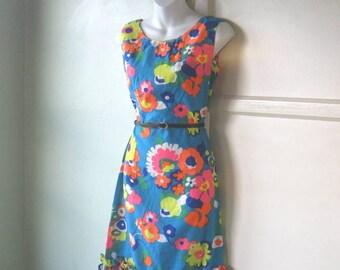 Vintage '60s Turquoise Cotton Dress with Big Orange/Pink Flowers & Ruffle Hem; Sz Medium; Cocktail/Tiki Party; Free Ship/U.S.