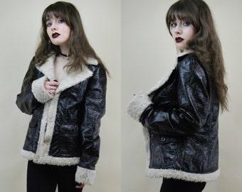 90s Grunge Goth Trashy Black Crinkle PVC Shiny White Faux Shearling Trim Groupie Jacket Coat S / M