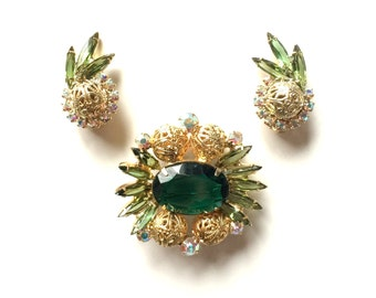 Verified Green Vintage Juliana Brooch and Earrings Set Clip On - D and E Jewelry by DeLizza & Elster Book Piece