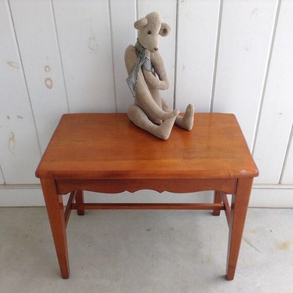 Maple vanity stool dressing table stool boudoir stool wooden for Boudoir stoel