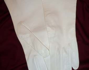 White Evening Gloves Made In Italy Never Worn