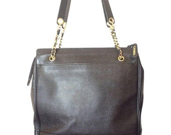 Vintage CHANEL black caviarskin chain large tote bag, shoulder purse with CC stitch marks. Classic and daily use bag