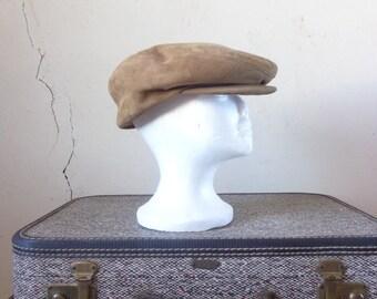 tan suede driver's cap/ flat cap/ vintage 50s mens hat// medium