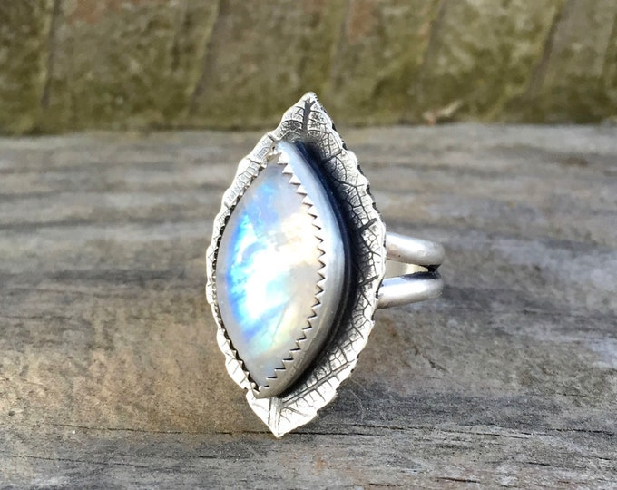 Rainbow Moonstone Leaf Ring - Rainbow Moonstone Silver Ring - Leaf Ring Rainbow Moonstone Sterling Silver - Silver Leaf Ring Moonstone