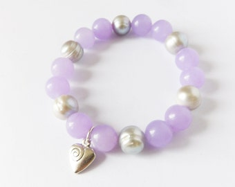 Lovely stretchy/elastic bracelet with lawender jade and gray freshwater pearls gemstone beads