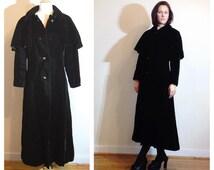 Long Velvet Coat Detachable Cape Fancy Dress Coat Rhinestone Buttons size 4/6