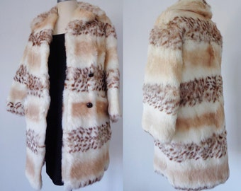 AMAZING Vtg 60s Spotted FUR Coat with CROPPED Sleeves, Small to Medium